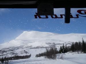 Med bandvagn upp på toppen på Marsfjöllet