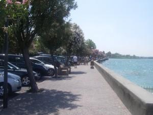 Strandpromenaden i Sirlione