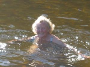 Mamma badar i Färingen