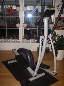 cross-trainern mitt i vardagsrummet