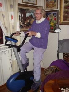 Mamma på träningscykeln