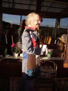 Mamma tyckte hon var jättefin i en av mina färdigsydda kappor