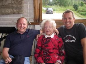 De äldsta barnbarnen på besök