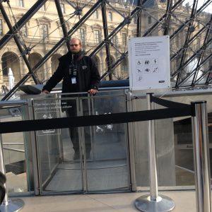 Hissvakten i Louvren