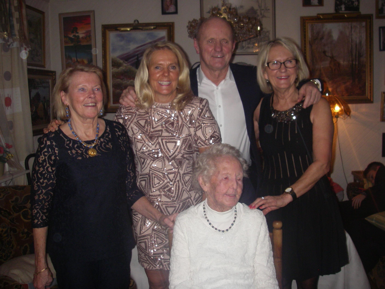Mamma och alla syskonen (utom min äldste bror som är avliden)