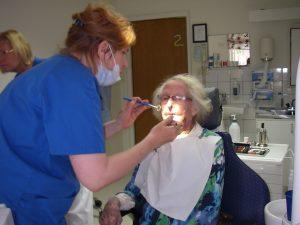 Mamma hos tandläkaren
